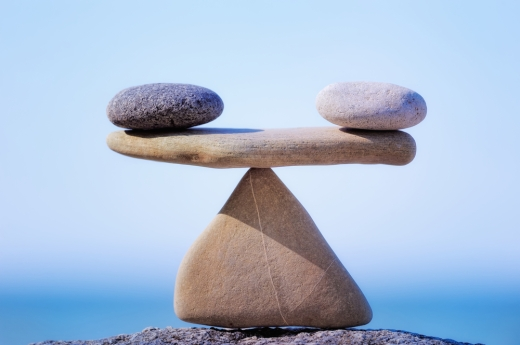 shutterstock_balanced-rocks_41236837