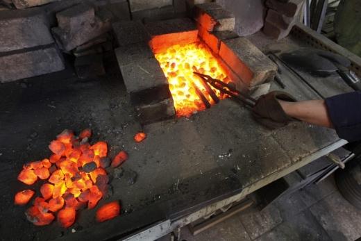 pb-120213-blacksmith-jb-05_photoblog900